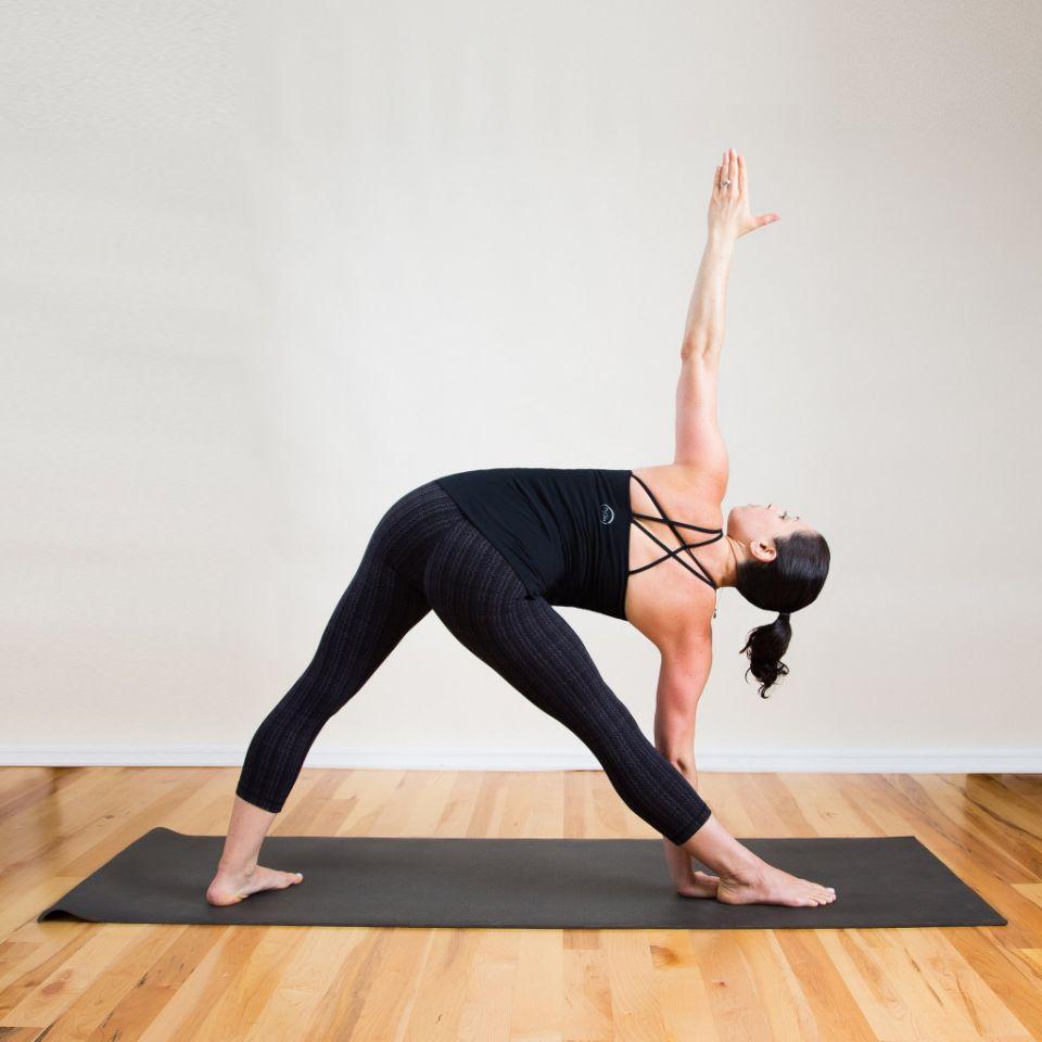 posture de yoga Triangle ouvert