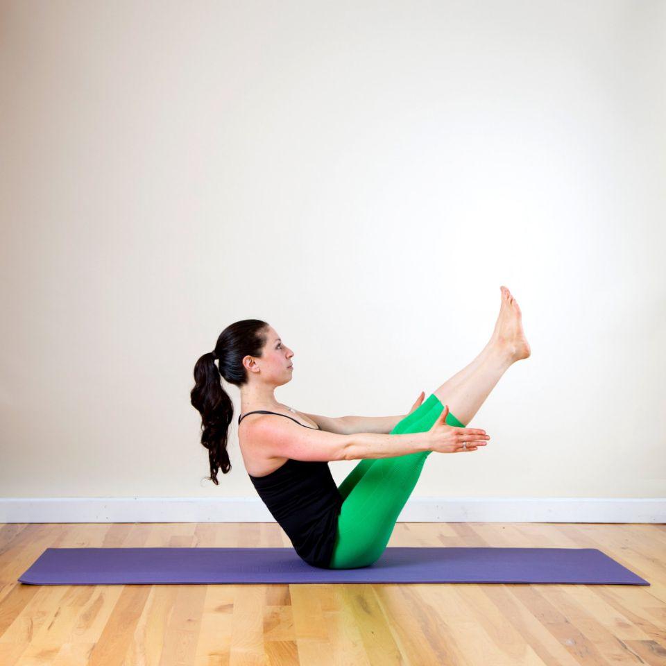 yoga Position Bateau